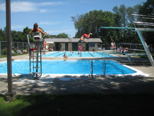 Entrance pool is open bellscorners for Garden oases pool entrance