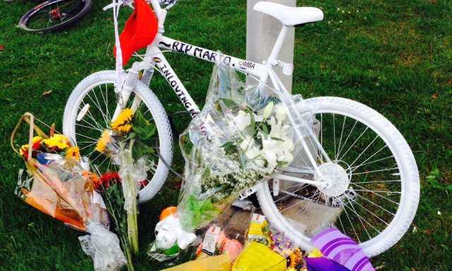 2013-10-20-mario-theoret-memorial-ghost-bike-02