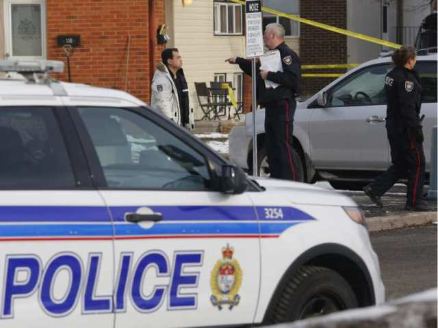 police-investigate-the-scene-of-a-shooting-near-old-richmond5